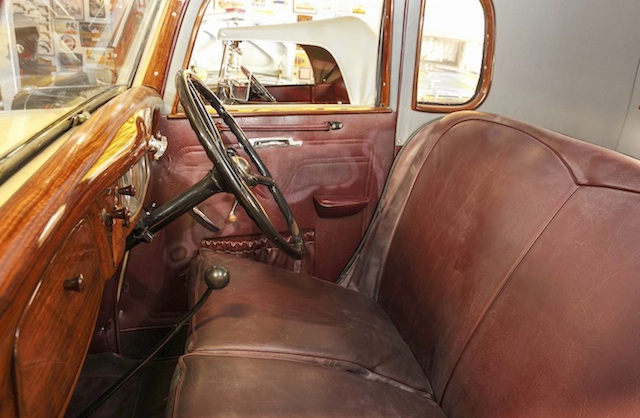Bench seat and three-speed manual gearbox