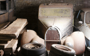 Type 57 Bugatto shows the ravages of time