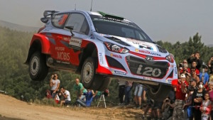 Paddon in his Hyundai during the Rally of Sardinia
