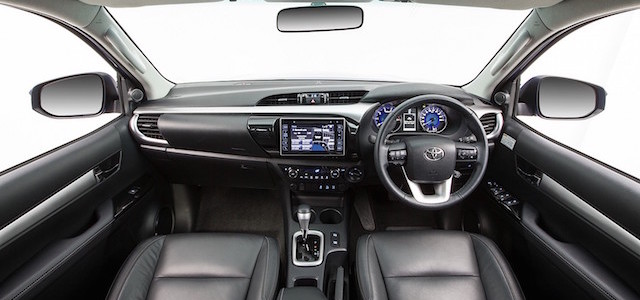 toyota-hilux-reveals-its-new-interior-but-only-for-australians-photo-gallery_1
