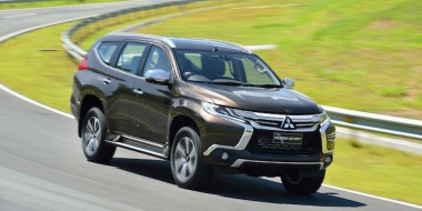 2016-mitsubishi-pajero-sport-finally-breaks-cover-you-can-buy-one-this-fall-photo-gallery_15