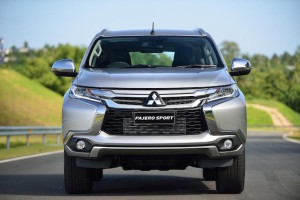 2016-mitsubishi-pajero-sport-finally-breaks-cover-you-can-buy-one-this-fall-photo-gallery_5