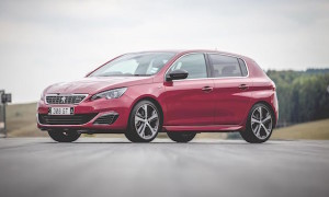Low Res Peugeot 308 GT and GTi by Peugeot Sport-262 copy