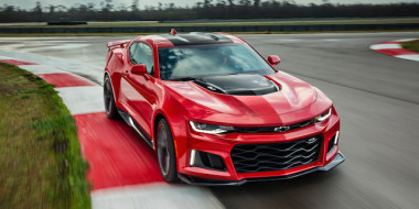 2017-Chevrolet-Camaro-ZL1-front-three-quarter-in-motion