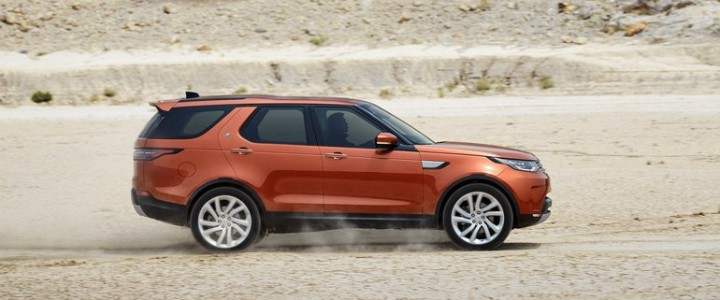 2017-land-rover-discovery_28