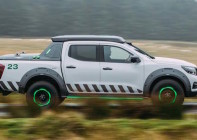 nissan-navara-enguard-concept-side-in-motion