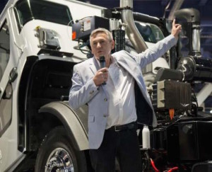 Ian Wright explains to US trucking industry audience his powertrain development