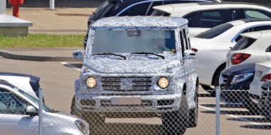 second-generation-mercedes-benz-g-class-makes-spy-photo-debut-109079_1