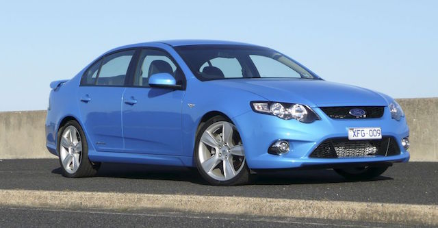 ford-falcon-xr6-turbo-383