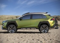 Toyota-FT-AC-Crossover-Concept-02
