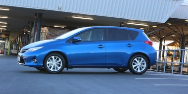 Corolla Hatch GLX in Tidal Blue - by taxi stand profile