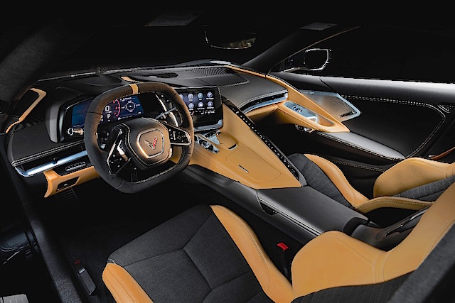 2020-Chevrolet-Corvette-Stingray-025