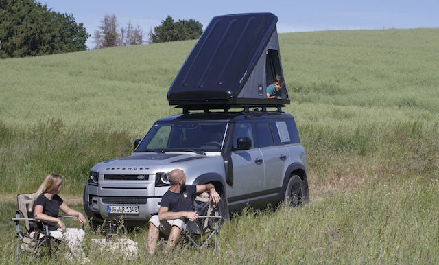 LAND-ROVER-AND-AUTOHOME-CREATE-RUGGED-ROOF-TENT-FOR-NEW-DEFENDER-11