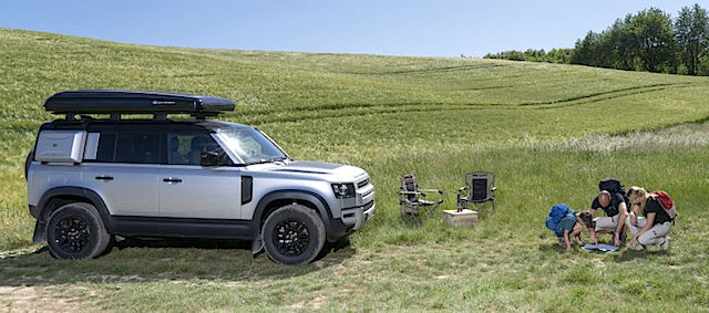 LAND-ROVER-AND-AUTOHOME-CREATE-RUGGED-ROOF-TENT-FOR-NEW-DEFENDER-13
